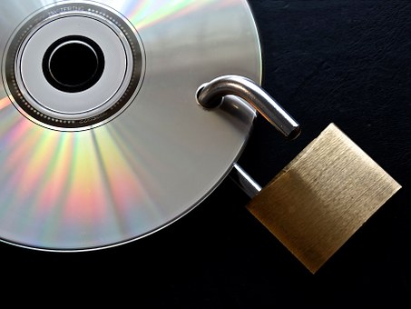 """""""Privacy by design"""" czyli dlaczego prywatność jest istotna dla start-upów i inwestorów?"""