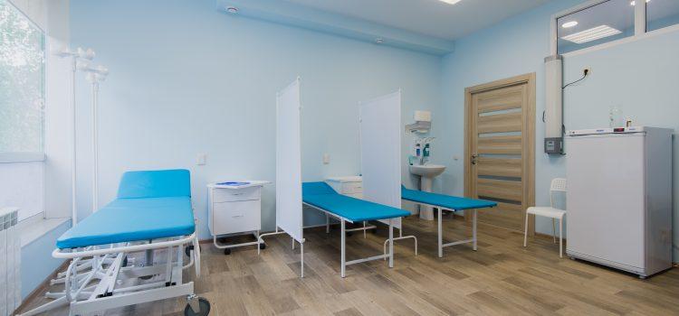 Pacjenci w szpitalach dostaną opaski z danymi. Eksperci od RODO protestują